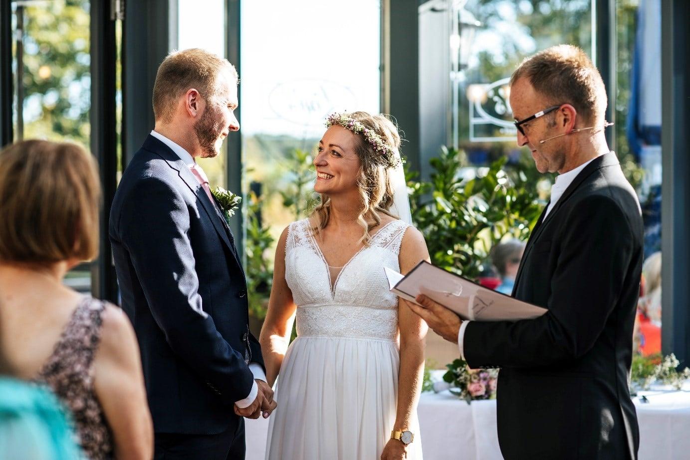 Hochzeitsredner Veit Ebert Hamburg mit Hochzeitspaar