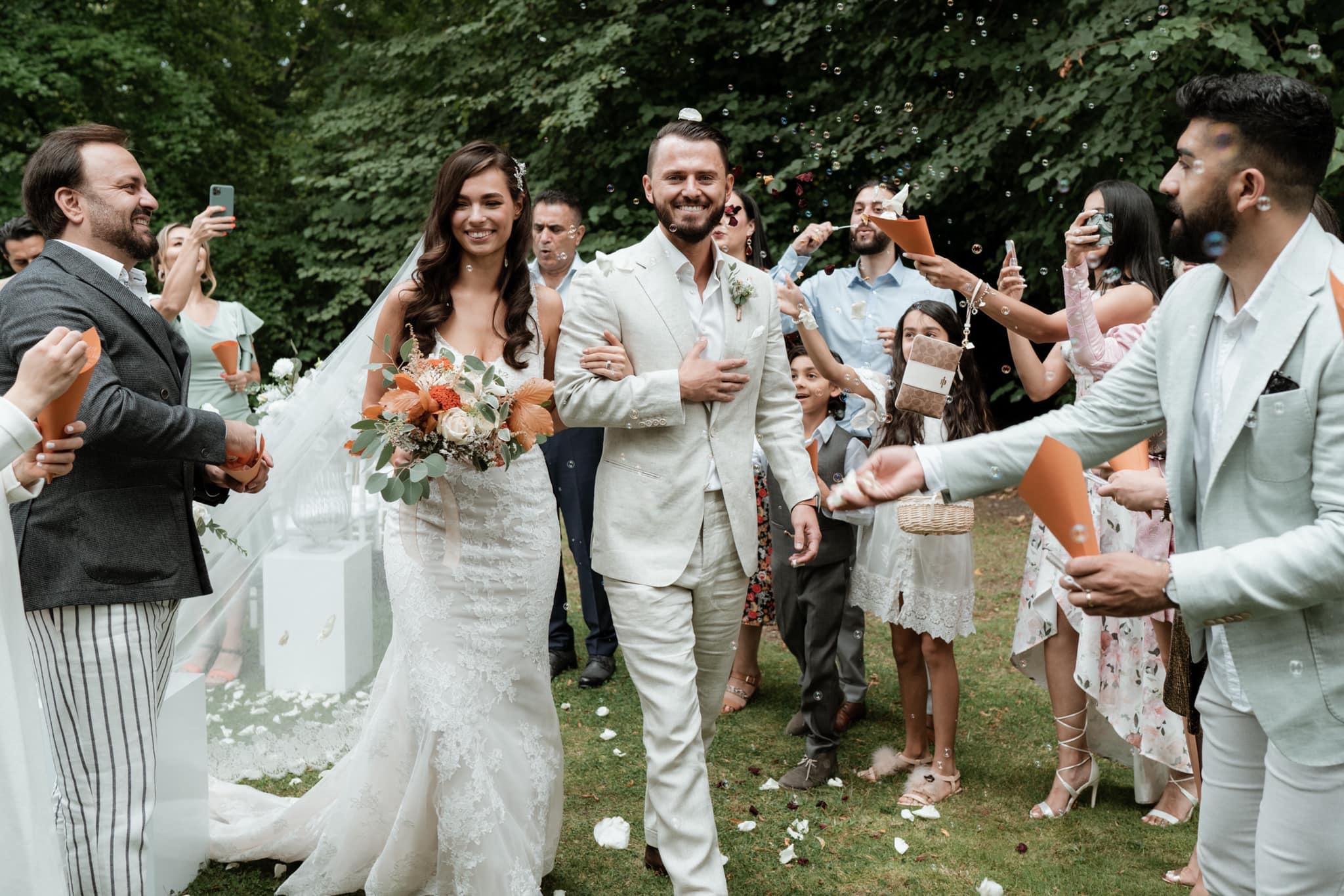 Wedding Award Germany 2021 - Brautpaar Spalier