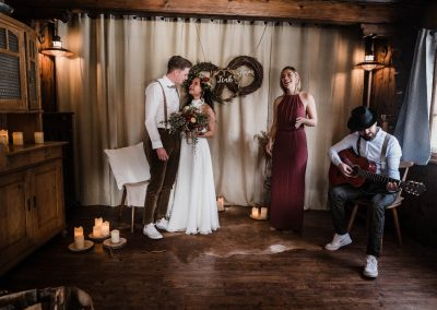 Hochzeitssängerin Reutlingen Nina Maria mit Brautpaar Live